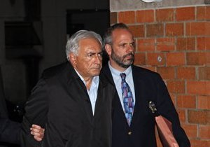 Стросс-Кану официально предъявили обвинения в попытке изнасилования