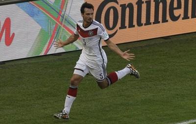 Защитник сборной Германии: В раздевалке было на удивление тихо и спокойно