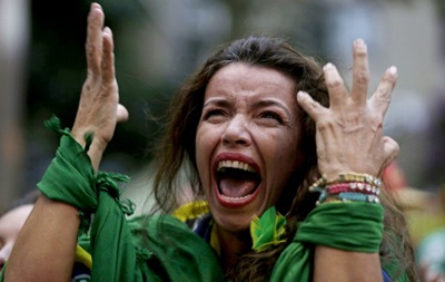 Фотогалерея. Бразильская истерика и немцы с пивом: Лучшие кадры фанатов на ЧМ-2014