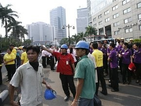 В результате землетрясения в Индонезии погибли 15 человек