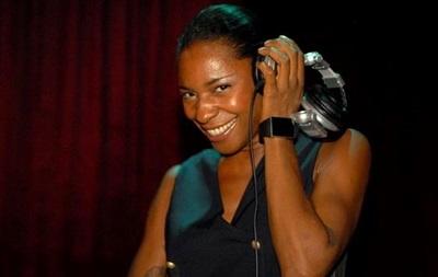 В Одессе выступит британская певица Sonique