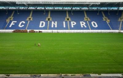 На Днепр-Арене перед Лигой чемпионов постелили новый газон