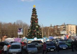 В Полтаве сгорела 15-метровая живая новогодняя елка