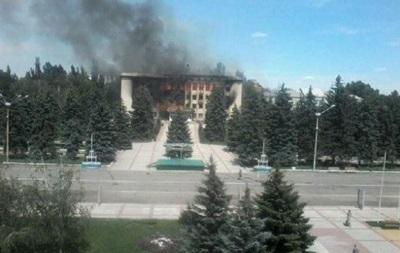 В Дзержинске в результате боев разрушено здание горсовета