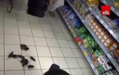 Львовяне пустили мышей в супермаркет, чтобы те погрызли товары из РФ