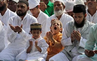Мусульмане встречают Ураза-байрам