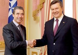 Янукович: Украина готова принимать активное участие в развитии партнерства НАТО