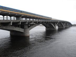 Киевские власти обследовали техсостояние мостов через Днепр