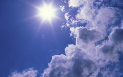 Сегодня по всей Украине сохранится жаркая погода