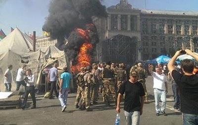 На Майдане прозвучали выстрелы