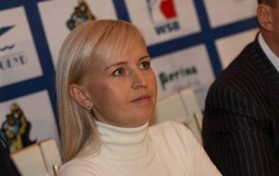 Двукратная чемпионка мира по боксу продает свой пояс для помощи украинской армии