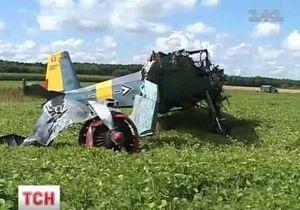 В Житомирской области спортивный самолет столкнулся с линией электропередач