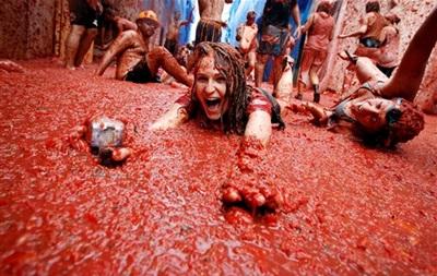 В Испании устроят традиционную томатную битву