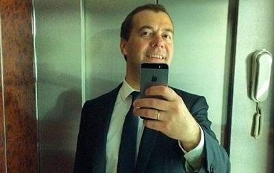 Хакеры отправили Медведева в отставку