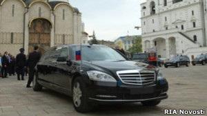 ГИБДД объяснила отсутствие номеров на машине Путина