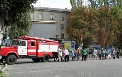 В Донецке запасаются водой из фонтанов и отказались от туалетов