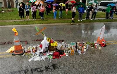 Обама отправил в Фергюсон генпрокурора для расследования убийства подростка
