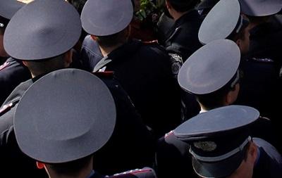 Милицию на Приднепровской ж/д вооружили автоматами