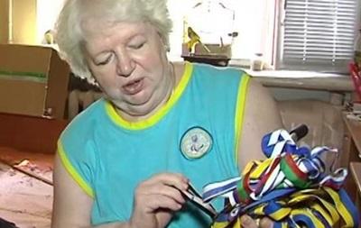 Паралимпийка выставила на аукцион свои медали в поддержку украинской армии