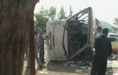 В Канаде перевернулся автобус с туристами, пострадали 56 человек