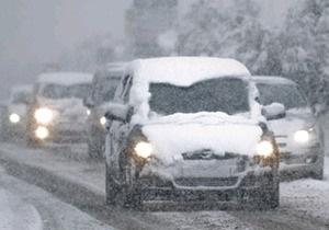 На трассе между Одессой и Ильичевском люди попали в снежную ловушку