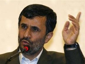 Ахмадинежад сравнил врагов Ирана со сворой собак