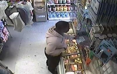 Американець пограбував магазин за допомогою банана