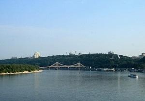 МЧС заявляет об отсутствии вредных веществ в воздухе над Киевом
