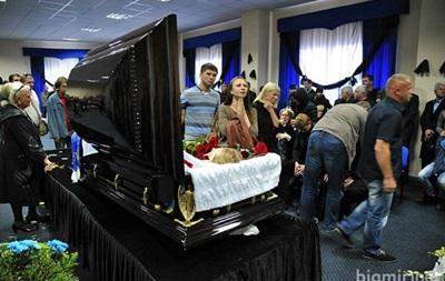 Фотогалерея: Как прощались с Андреем Гусиным на стадионе Динамо
