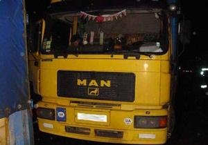 В Житомирской области столкнулись автомобиль, грузовик и маршрутка: 3 человека погибли