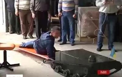 Во Львове презентовали робота-разведчика для АТО