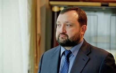Арбузов заявил о готовности финансировать волонтеров на Донбассе