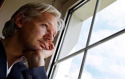 Ассанж посетил конференцию в США в виде голограммы