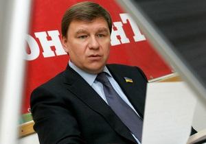 Объявленный в розыск экс-глава Госкомрезерва заявил Ъ, что ждет приглашения на допрос