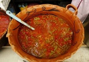 Давос - В меню на Украинском ланче в Давосе - крем-суп Борщ и голубцы на косточке