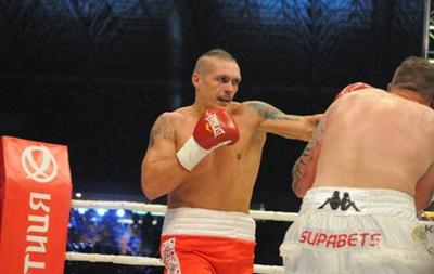 Фотогалерея: Как Александр Усик нокаутировал соперника во Львове