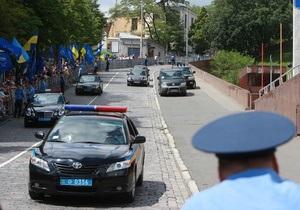 Симоненко предложил оборудовать кортежи VIP-лиц черными ящиками