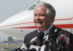 СМИ: На месте авиакатастрофы найдено тело Качиньского