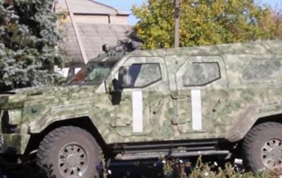 На автомобиле Януковича в зоне АТО вывозят раненых