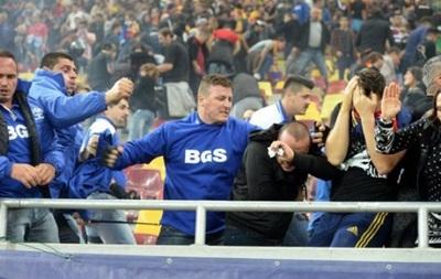 В Румынии на матче отбора Евро-2016 фанаты побились с полицией