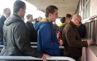 Перед матчем Украина – Македония фаны устраивали самосуд над спекулянтами билетов