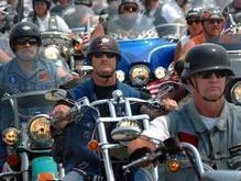 Американские моряки подрались с румынскими байкерами
