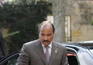 Раненого президента Мавритании отправили на лечение в Париж