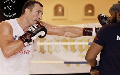Подготовка к встрече с Пулевым: Кличко отрабатывает удары в Австрии