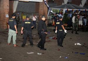 На Филиппинах в мотеле неизвестные взорвали две бомбы