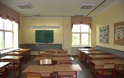 В Луганской области закрыли больше десятка школ из-за обстрелов