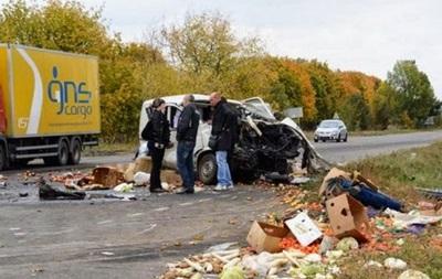 В ДТП на Одесчине погибли три человека, пятеро получили травмы