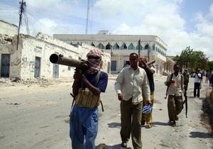 Сомалийские пираты захватили пять ооновских грузовиков с продовольствием