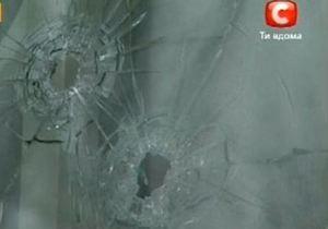 В Запорожье обстреляли здание суда, в котором слушается дело о подрыве памятника Сталину