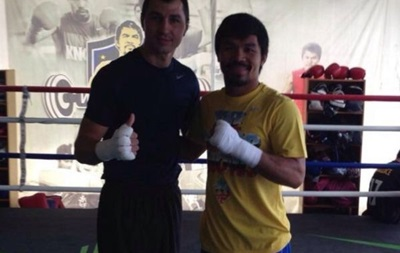 Легендарный Пакьяо сломал украинскому боксеру нос